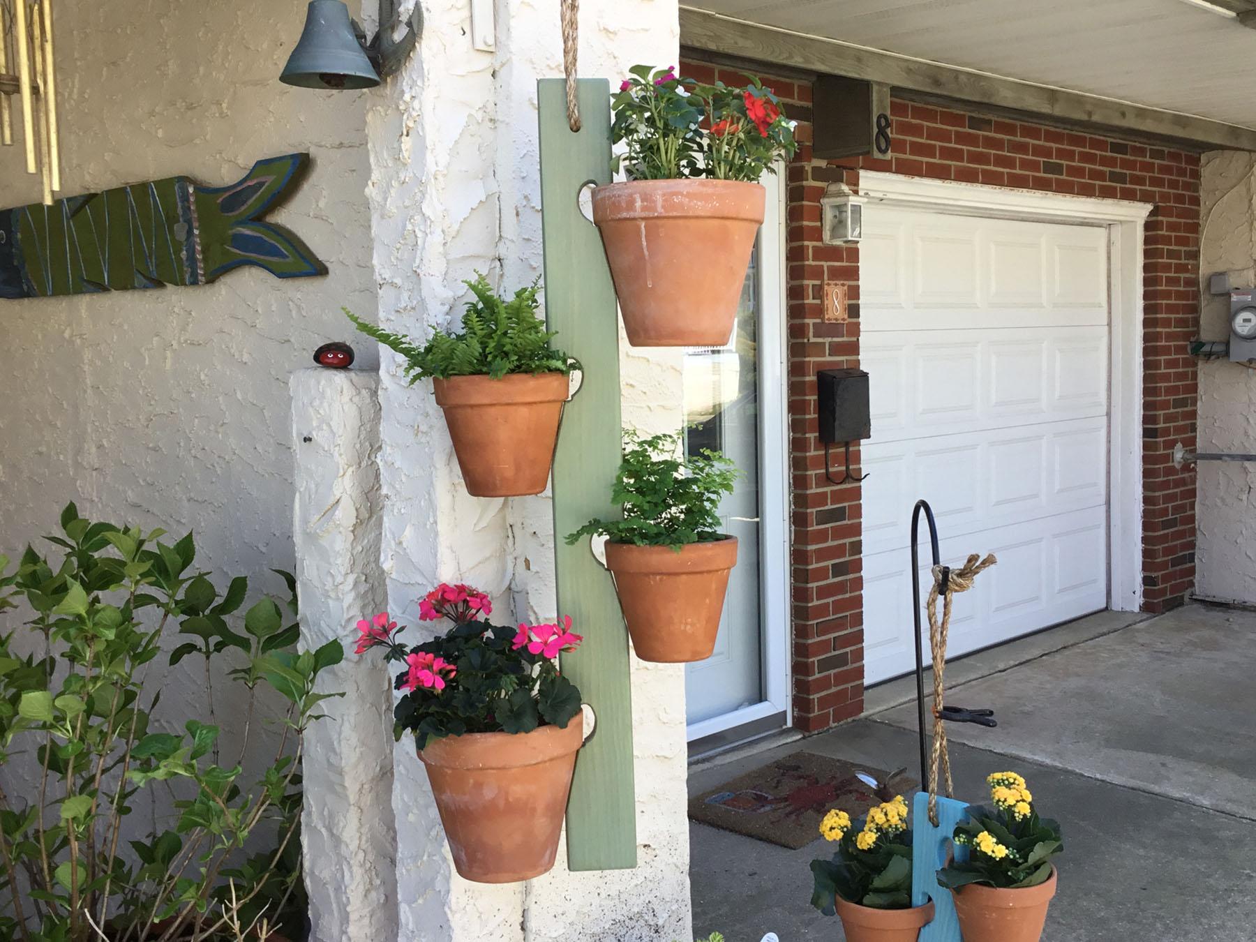 Clarizas-Clay-Pot-Swings-3