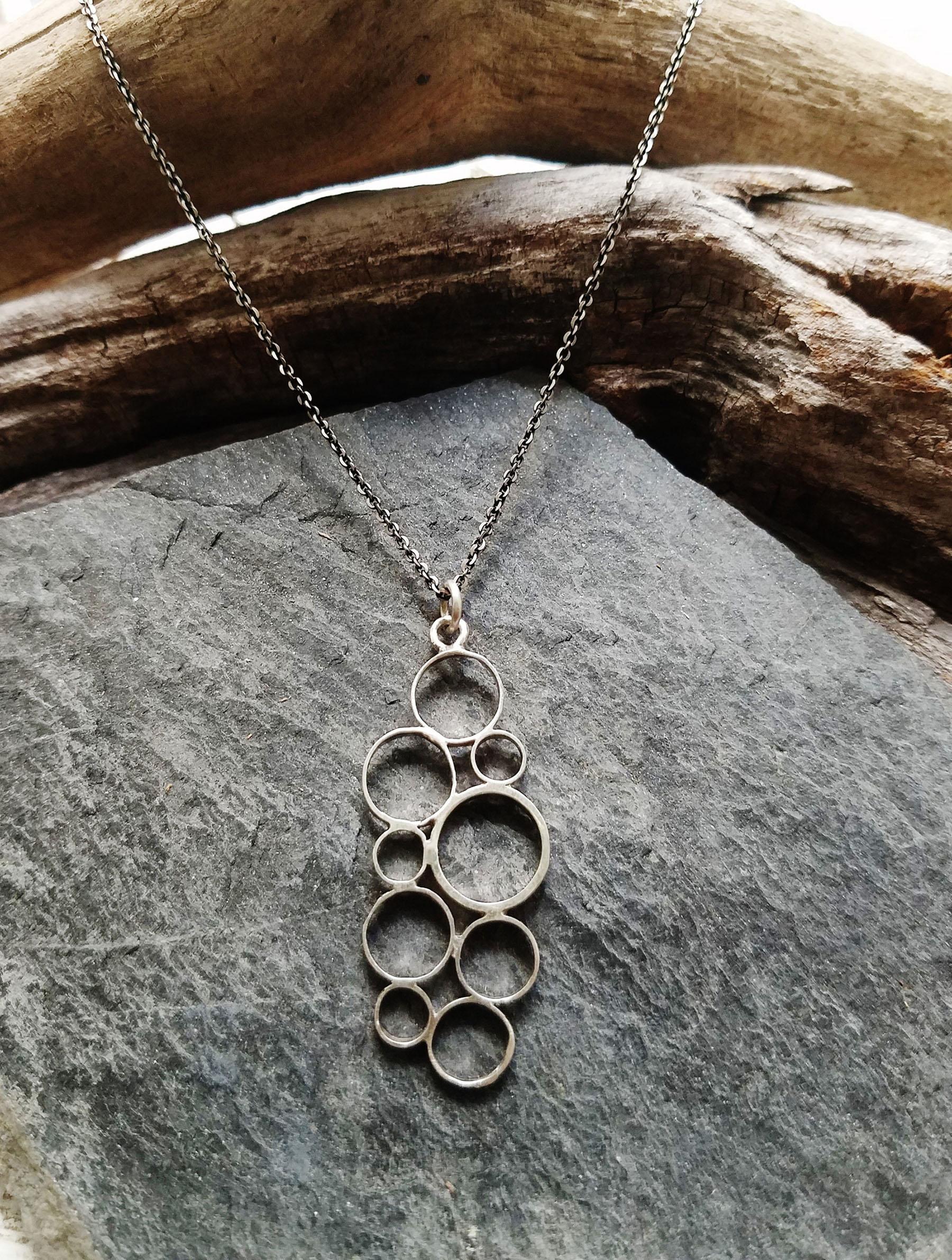 Lisa-Medoff-Designs-Long-Bubbles-Necklace